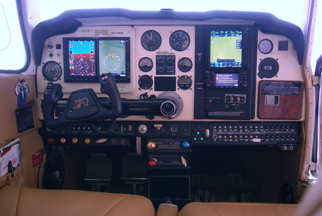 Beech Bonanza F33A (N717MM) – Sold   Skyfire Aviation